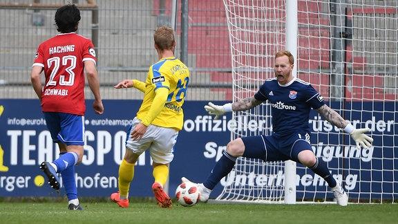 Felix Brügmann erzielt das Tor zum 1:0 für Jena