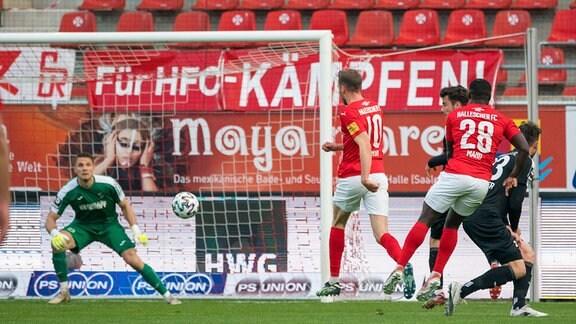 Hallescher FC - SC Verl: 1:0 durch Manu