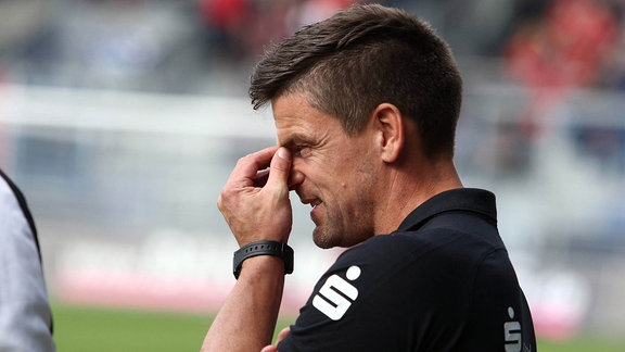 Trainer Torsten Ziegner (Halle)