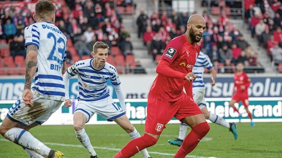 Terrence Boyd, HFC, am Ball.