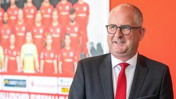 Jens Rauschenbach, Präsident, Hallescher FC, vor einer Pressekonferenz