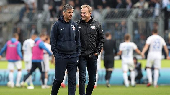 Trainer Jens Härtel mit Vorstand Martin Pieckenhagen.