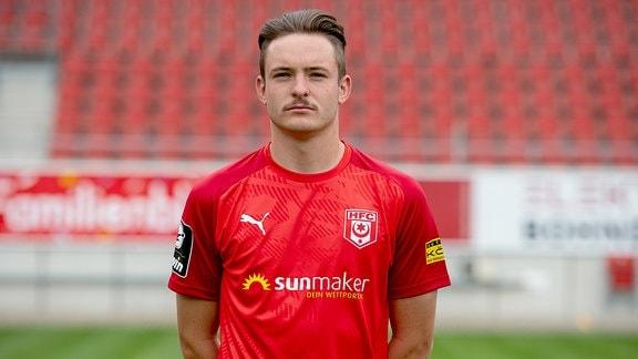 Der HFC Fußballspieler Niklas Kastenhofer.
