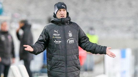 Trainer Joe Enochs (Trainer FSV Zwickau)