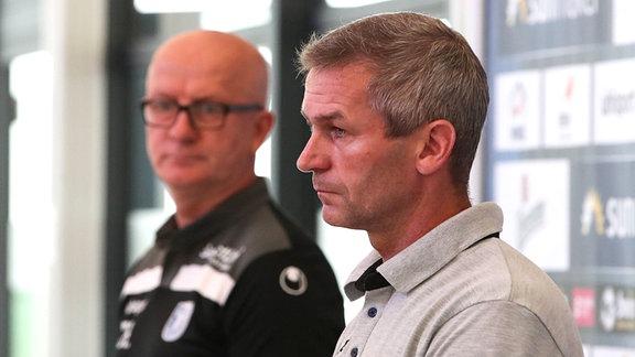 Geschäftsführer Mario Kallnik r. und Trainer Thomas Hoߟmang