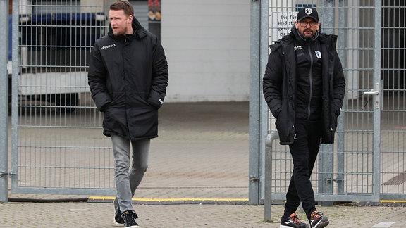 Leiter Lizenzspielerabteilung Maik Franz und Trainer Claus Dieter Pele Wollitz (1. FC Magdeburg)