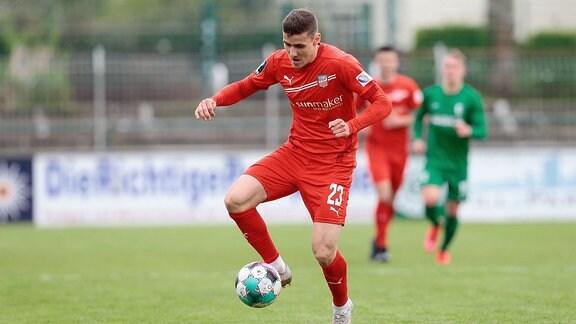 Marius Hauptmann, Zwickau, am Ball.