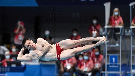 Martin Wolfram beim Sprung vom 3 Meter Brett
