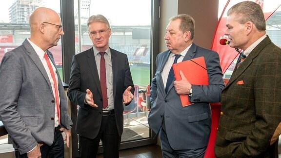 Dr. Bernd Wiegand, Dr. Michael Schädlich, Manfred Maas und Holger Stahlknecht