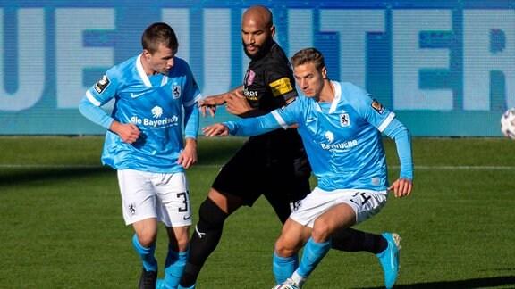 Richard Neudecker 31 TSV 1860 Muenchen, Dennis Dressel 14 TSV 1860 Muenchen