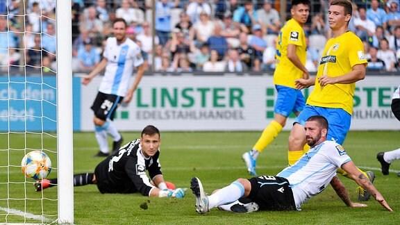 Jo Coppens 22 (FC Carl Zeiss Jena), Sascha Moelders 9 (TSV 1860 Muenchen)