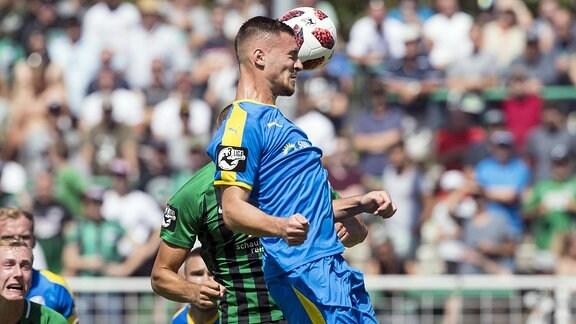Münster - Carl Zeiss Jena am 04.08.2018 in Münster (Nordrhein-Westfalen). Jenas Maximilian Wolfram erzielt per Kopf das 0:1