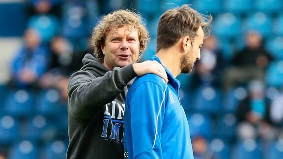 Trainer Stefan Krämer und Spieler Christian Beck (1. FC Magdeburg)