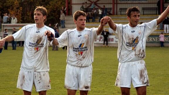 Thorsten Görke, Torsten Ziegner und Faruk Hujdurovic bei Schlußjubel, 2004