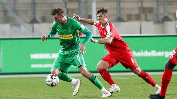 Christoph Kramer (6, Borussia MG) und Kevin Hoffmann (8, Zwickau)