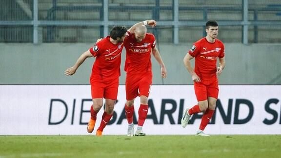 Ronny Koenig FSV Zwickau bejubelt den Treffer zum 0:2 mit Manfred Starke FSV Zwickau und Jozo Stanic