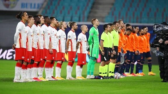 RB Leipzig - Istanbul Basaksehir - Aufstellung der Mannschaften