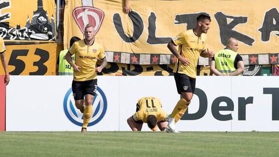 SV Roedinghausen vs. SG Dynamo Dresden (M) Haris Duljevic (Dresden) jubelt nach seinem Tor zum 0:1