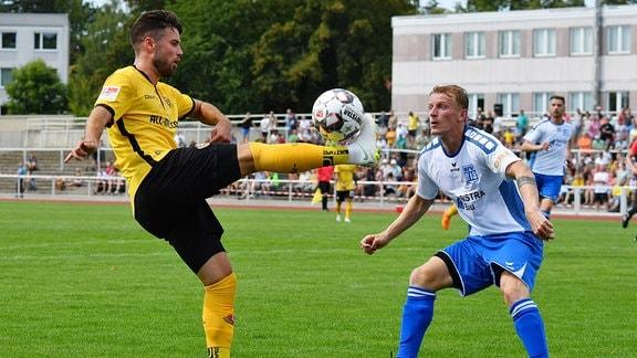 Niklas Kreuzer (Dresden) gegen Pavel Cermak (Bischofswerda)