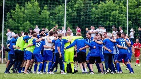 FC Fahner Höhe bei Siegjubel
