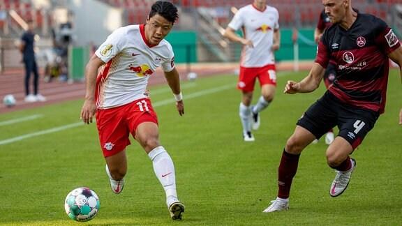 Hee-chan Hwang (RB Leipzig) im Pokalspiel gegen Nürnberg in Aktion