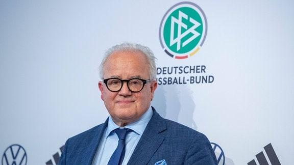 Fritz KELLER DFB-Praesident waehrend der Pressekonferenz