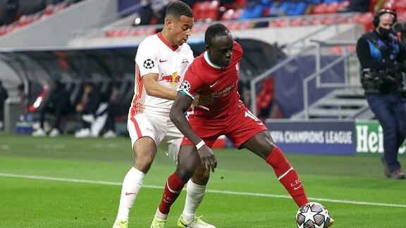 v. l. Tyler Adams RB Leipzig, Sadio Mane FC Liverpool