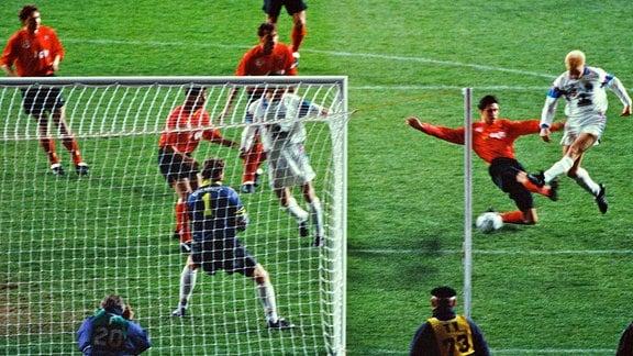 Fussball Berlin 31.03.1993 Olympiastadion DFB Pokal Halbfinale Hertha BSC II Amateure geg Chemnitzer FC