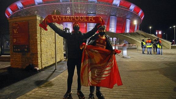 Fans des FC Liverpool vor der Puskás Arena