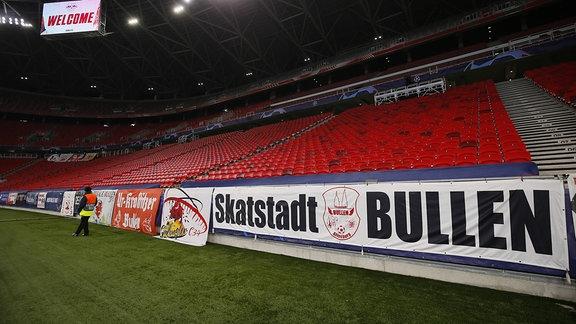 Blick in die Puskás Arena