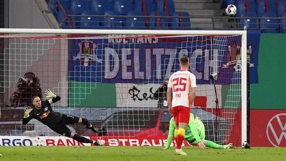 RB Leipzig - VfL Wolfsburg: Elfmeter Wout Weghorst verschossen