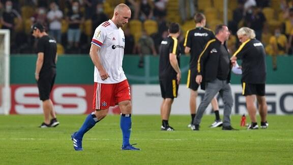 Toni Leistner (Hamburger SV) schaut enttäuscht.