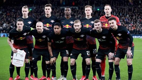 Mannschaftsfoto der Spieler von RB Leipzig.