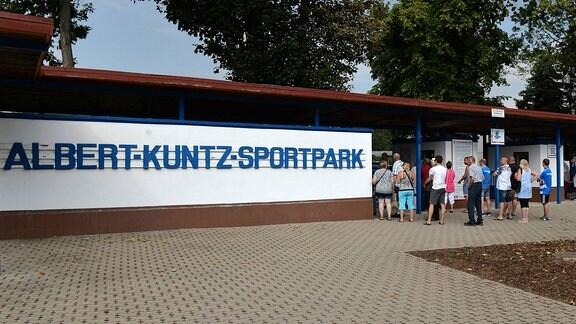 Eingangsbereich zum Albert-Kuntz-Sportpark