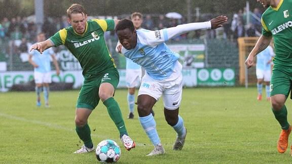 Kapitaen Stefan Karau gegen Benjika Caciel.