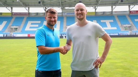 Der neue Trainer des Chemnitzer FC, Trainer Daniel Berlinski und Sportdirektor Armin Causevic.