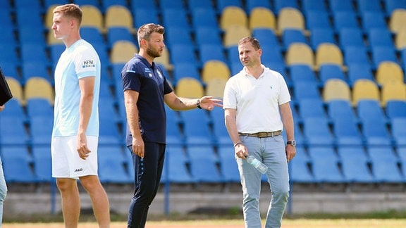 Im Bild v.l.: Trainer Daniel Berlinski Chemnitzer FC und Sportdirektor Marc Arnold  Chemnitzer FC.