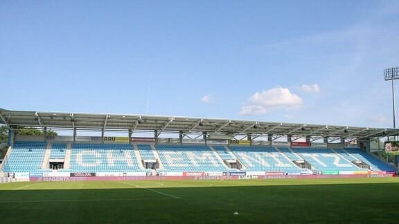 Osttribüne im leeren Chemnitzer Stadion