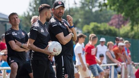 Sportlicher Leiter Maximilian Zimmer und Trainer Claus-Dieter Wollitz, Energie Cottbus