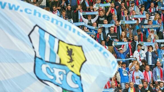 Fahne und Fans Chemnitzer FC