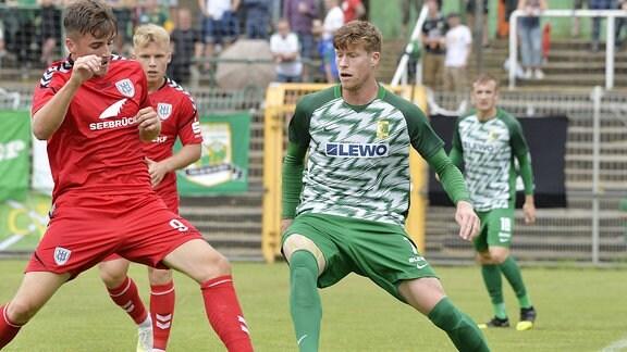 Alexander Bury gegen Moritz Kretzer