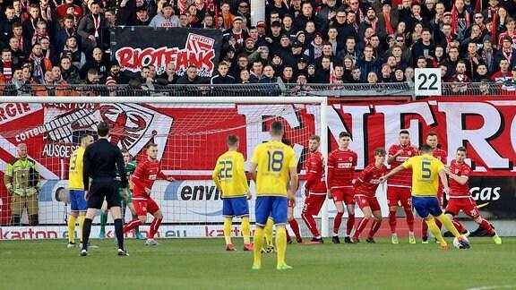 David Urban erzielt das 0:1 für Leipzig