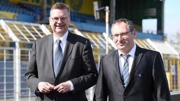 DFB Präsident Reinhard Grindel und Thomas Löwe (1.FC Lok Präsident)