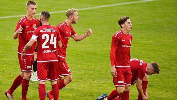 Jubel nach dem 1:0 für Halberstadt beim Regionalligaspiel Halberstadt gegen Chemie Leipzig
