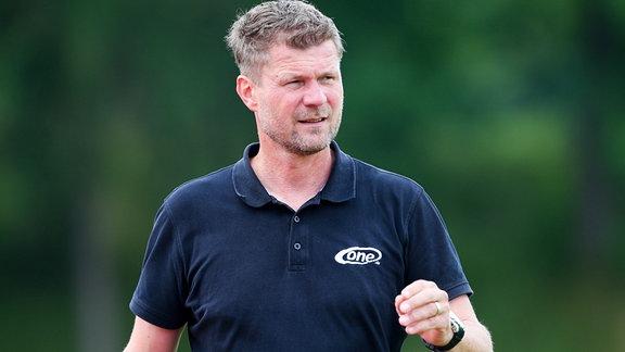 Trainer Holm Pinder