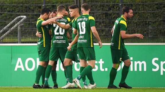 Jubel nach Tor zum 0:1 durch Timo Mauer BSG Chemie Leipzig