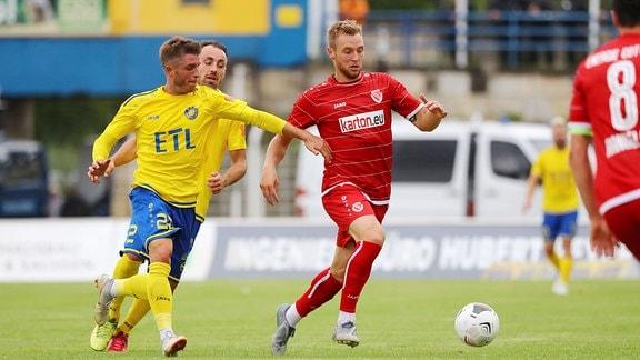 v.l.: Maik Salewski (22, Lok) und Felix Brügmann (23, Cottbus).