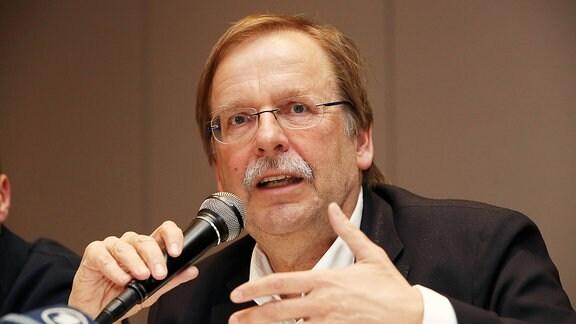 DFB-Vizepräsident und Sitzungsleiter Rainer Koch
