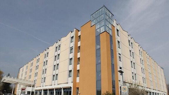Das Bild zeigt das Ramada Hotel Halle Peissen Peißen