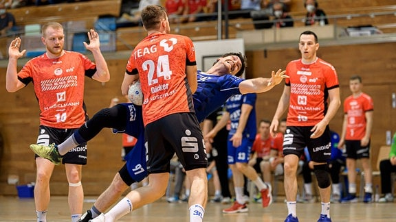 Zweikampf Daniel Dicker Eisenach und Jonathan Fischer